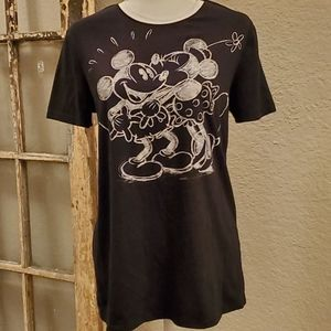 "Disney Mickey & Minnie ""chalk"" tee, size large"